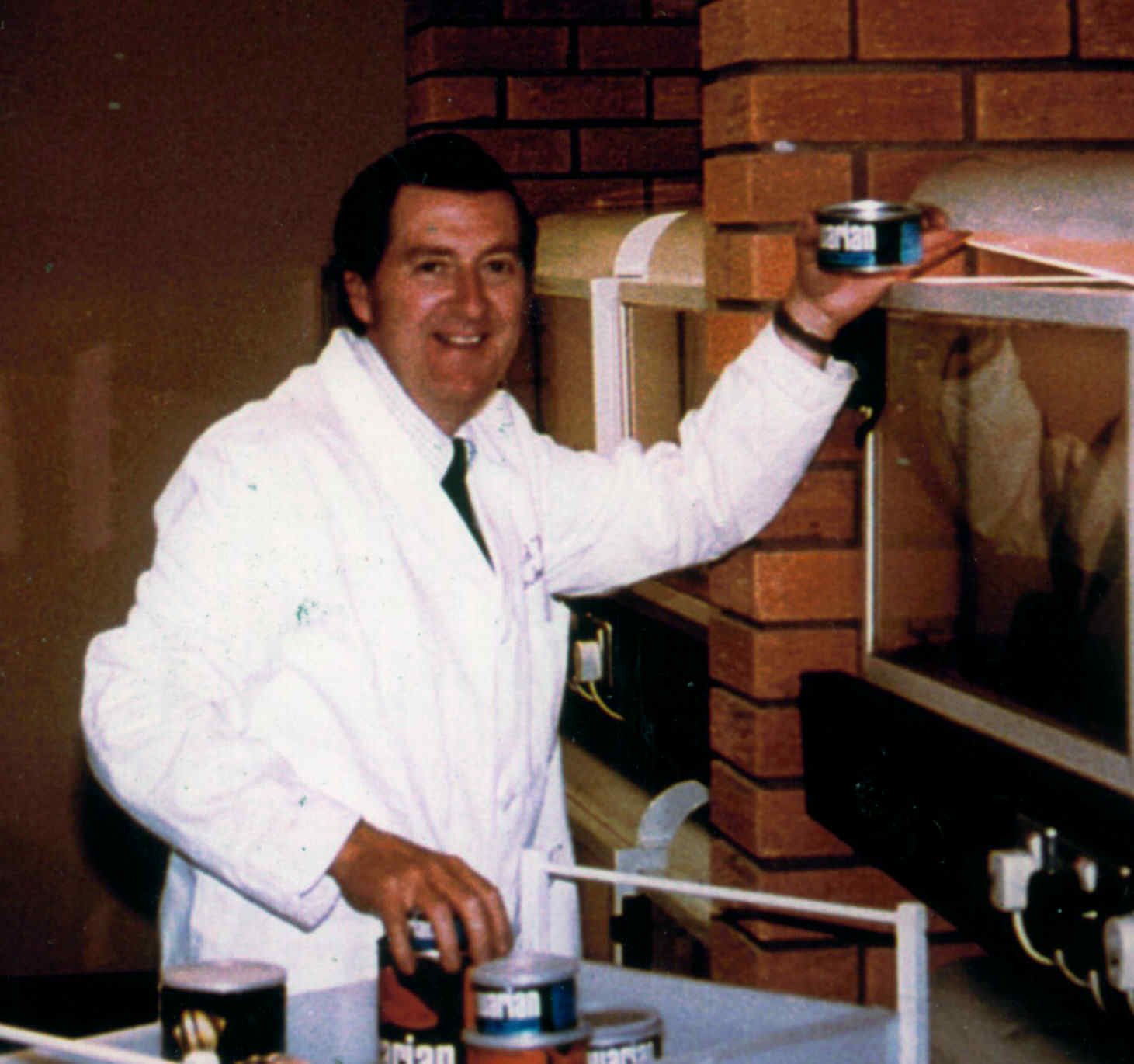 Dr.David Ford in the Aquarian Laboratories c. 1975